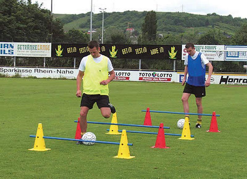 b+d Sportartikel Markierungs- und Trainingskegel, gelb